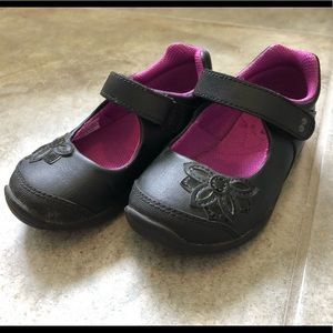 Stride Rite Mary Janes in great condition size 7